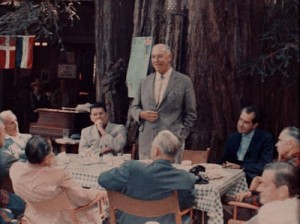 Elite figures talking at Bohemian Grove, before the black magic rituals. Note Nixon on the right, and Reagan on the left – at a time when he was not yet president.