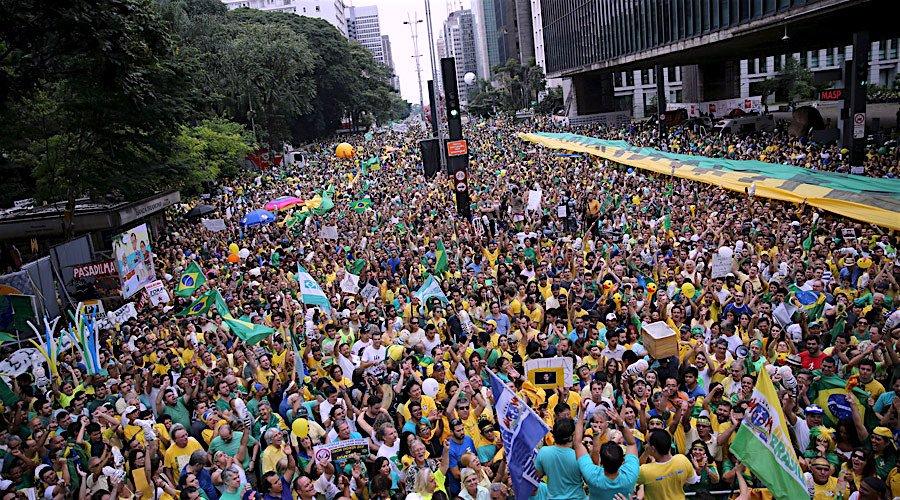 brazilstreetcrowd