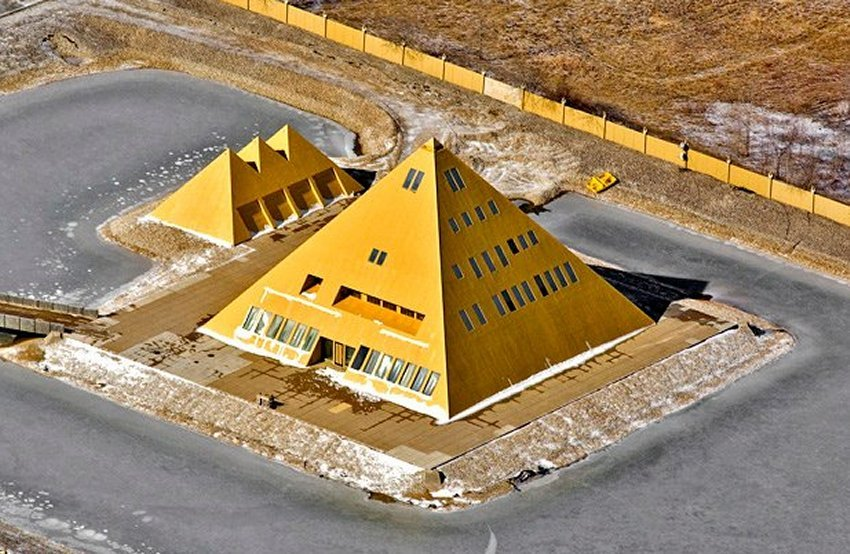 goldpyramid10