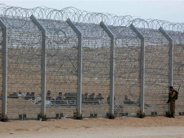 border-fence-between-israel-and-egypt-reuters-640x480
