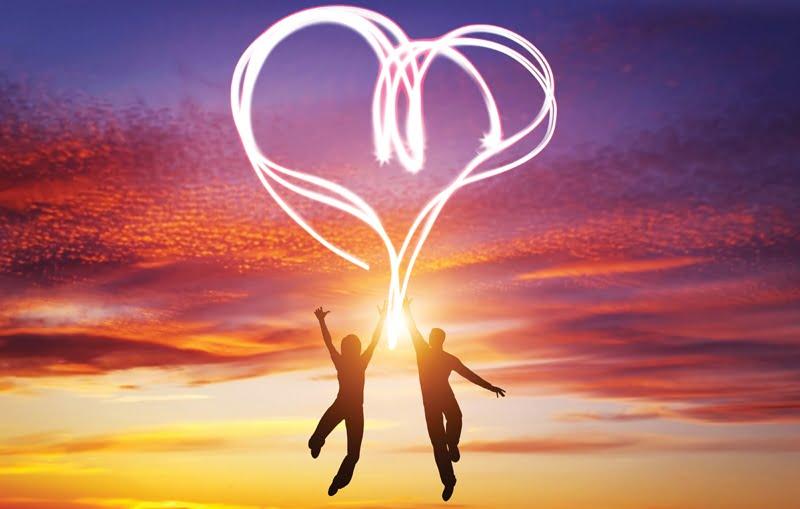 couple-heart-shaped-sky-106e5b6d