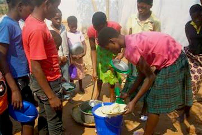 malawi-lunch
